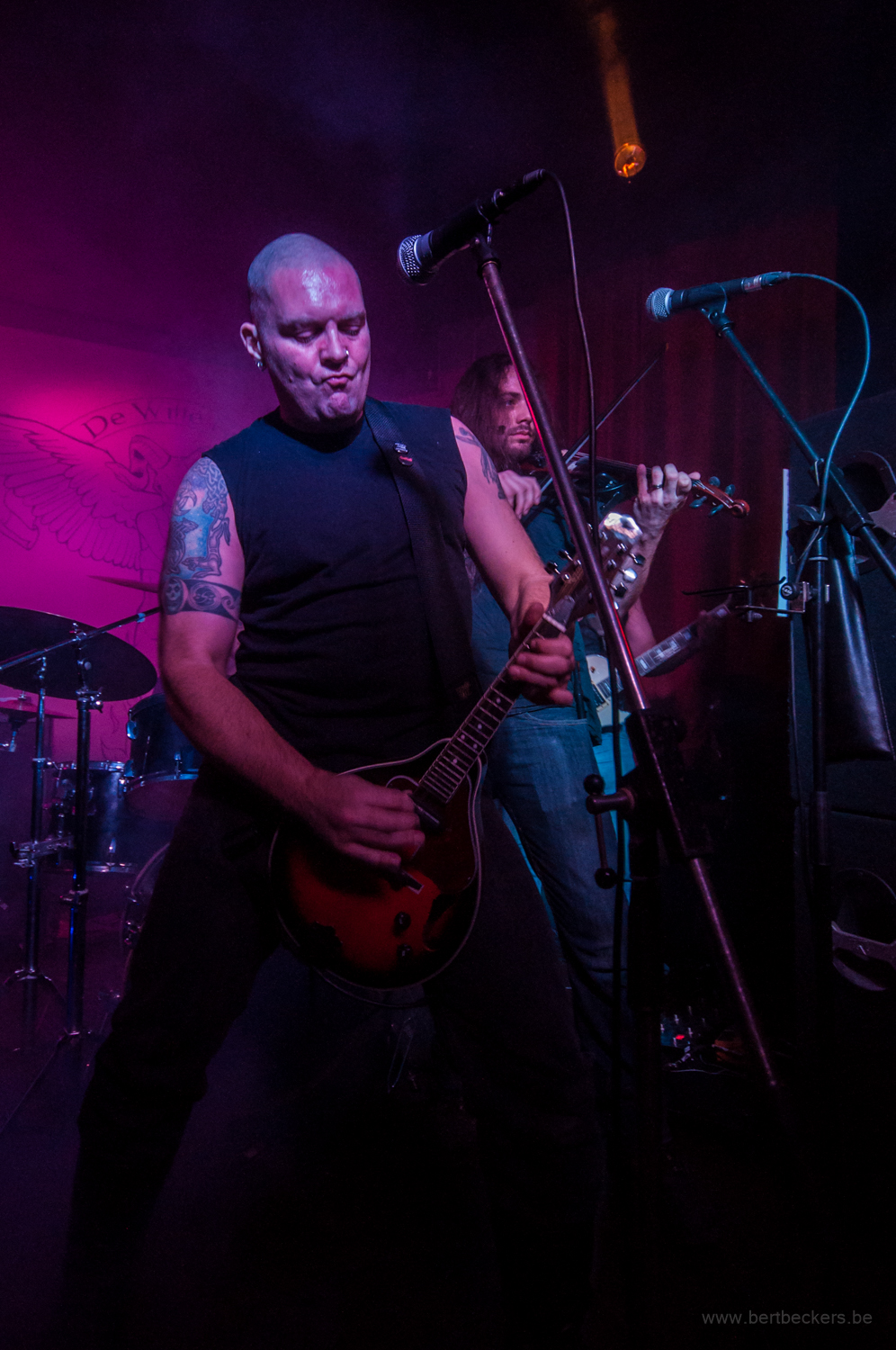 Chain of Dogs live in de Witte Non in Hasselt